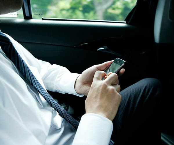 Enjoy Convenient Phone Banking 27/4 | Emirates Islamic